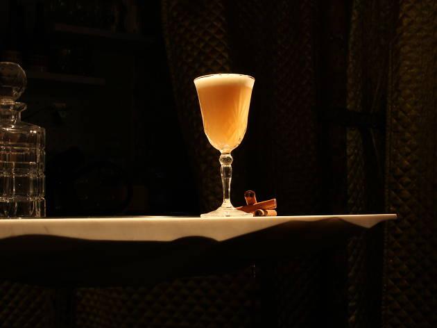 Les (vieux) alcools français reviennent sur le zinc
