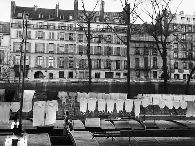 (Marc Riboud, 'Paris', 1953 / Courtesy de Marc Riboud et galerie Polka, Paris)