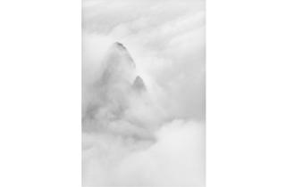 (Marc Riboud, 'Montagne céleste', Huang Shan, 1987 / Courtesy de Marc Riboud et galerie Polka, Paris)
