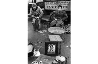 (Marc Riboud, 'Paris (puces de Montreuil)', 1953 / Courtesy de Marc Riboud et galerie Polka, Paris)