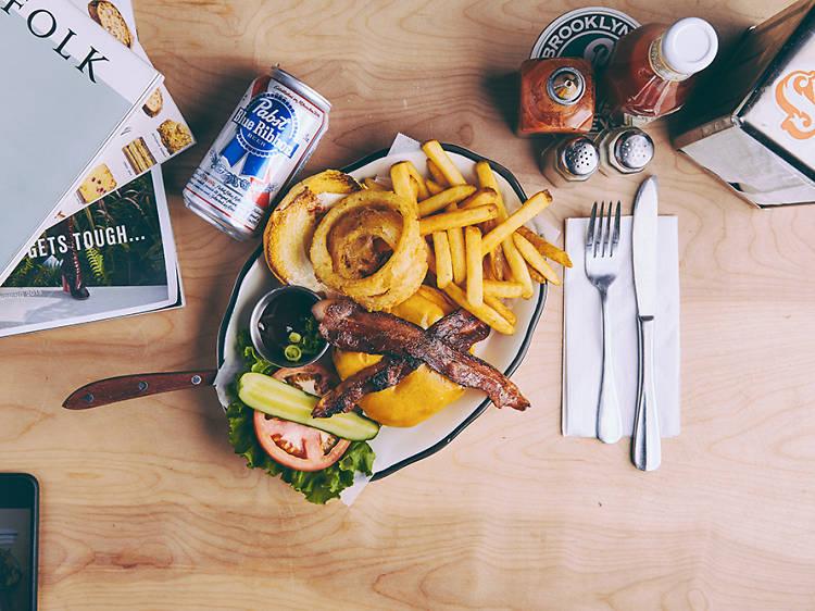 Black Tap: Craft Burgers & Beers