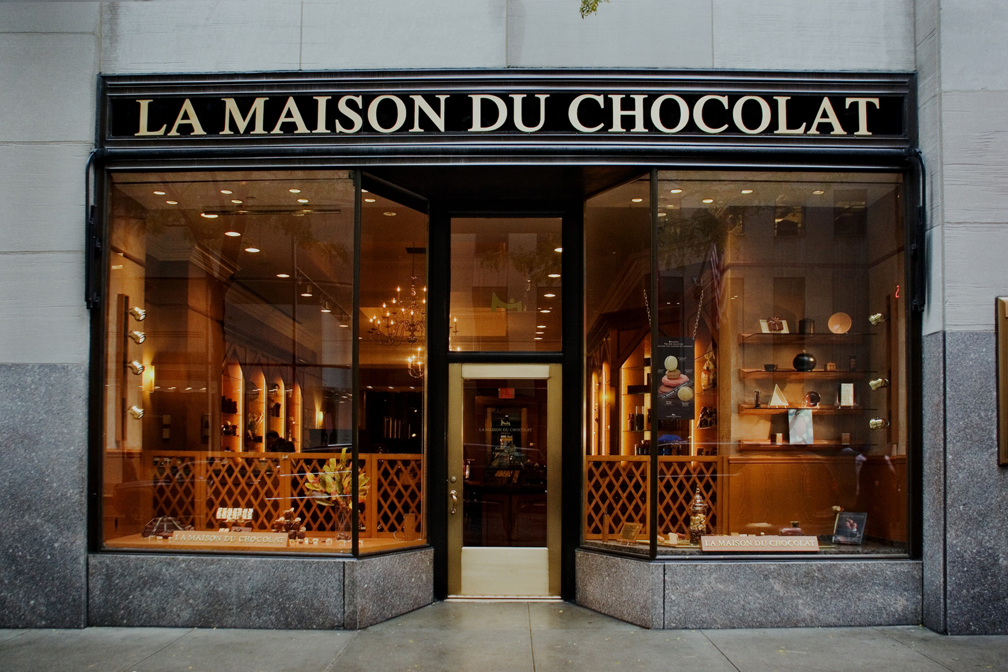 la maison du chocolat shopping in. Black Bedroom Furniture Sets. Home Design Ideas