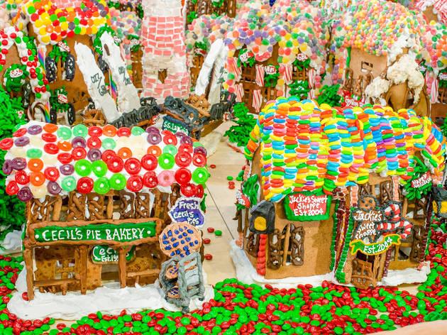 """""""Gingerbread Lane"""""""