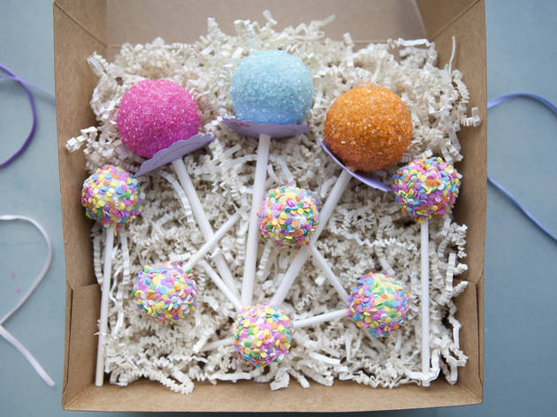 Cutest way to eat cake: Stick&Pop cake pops