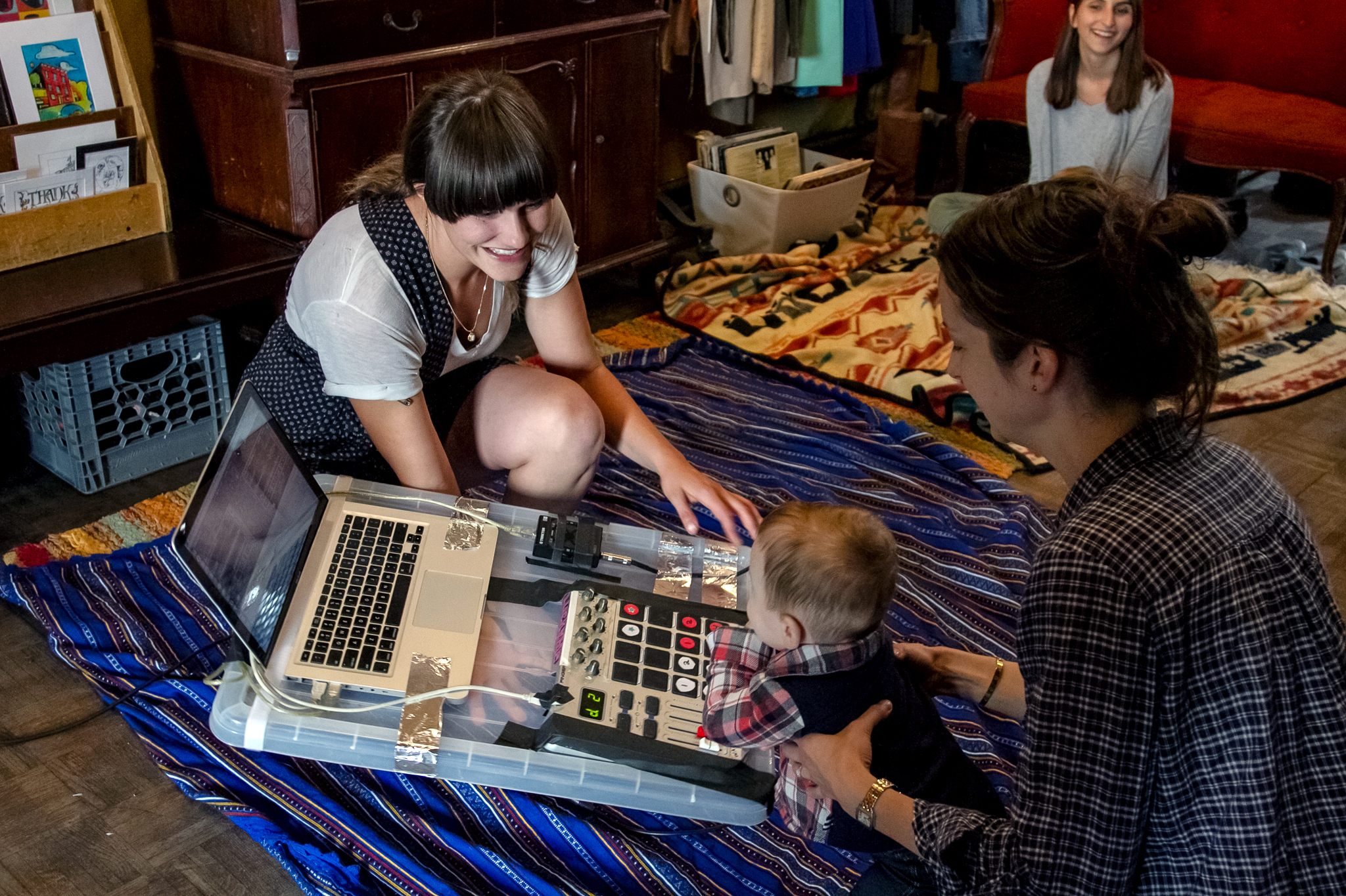Best innovative class for little ones: Baby DJ School