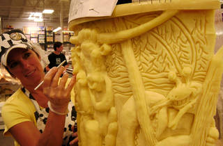 "Ripley's Believe It or Not! Times Square: ""Historic"" Cheese Carving"