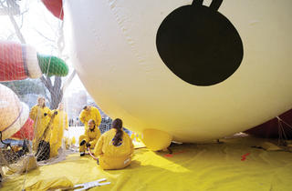 Macy's Thanksgiving Day Parade: Big Balloon Inflation