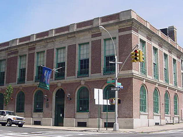 New York Public Library, Tremont Branch