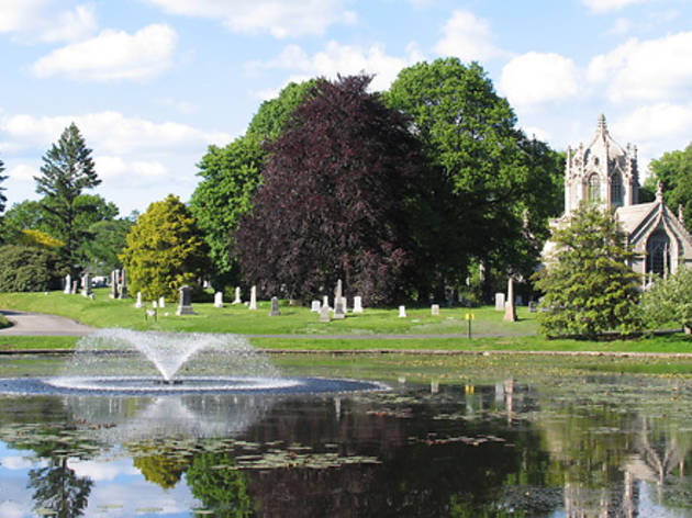 Take a historic trolley tour at Green-Wood Cemetery