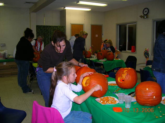 pumpkincarving.jpg