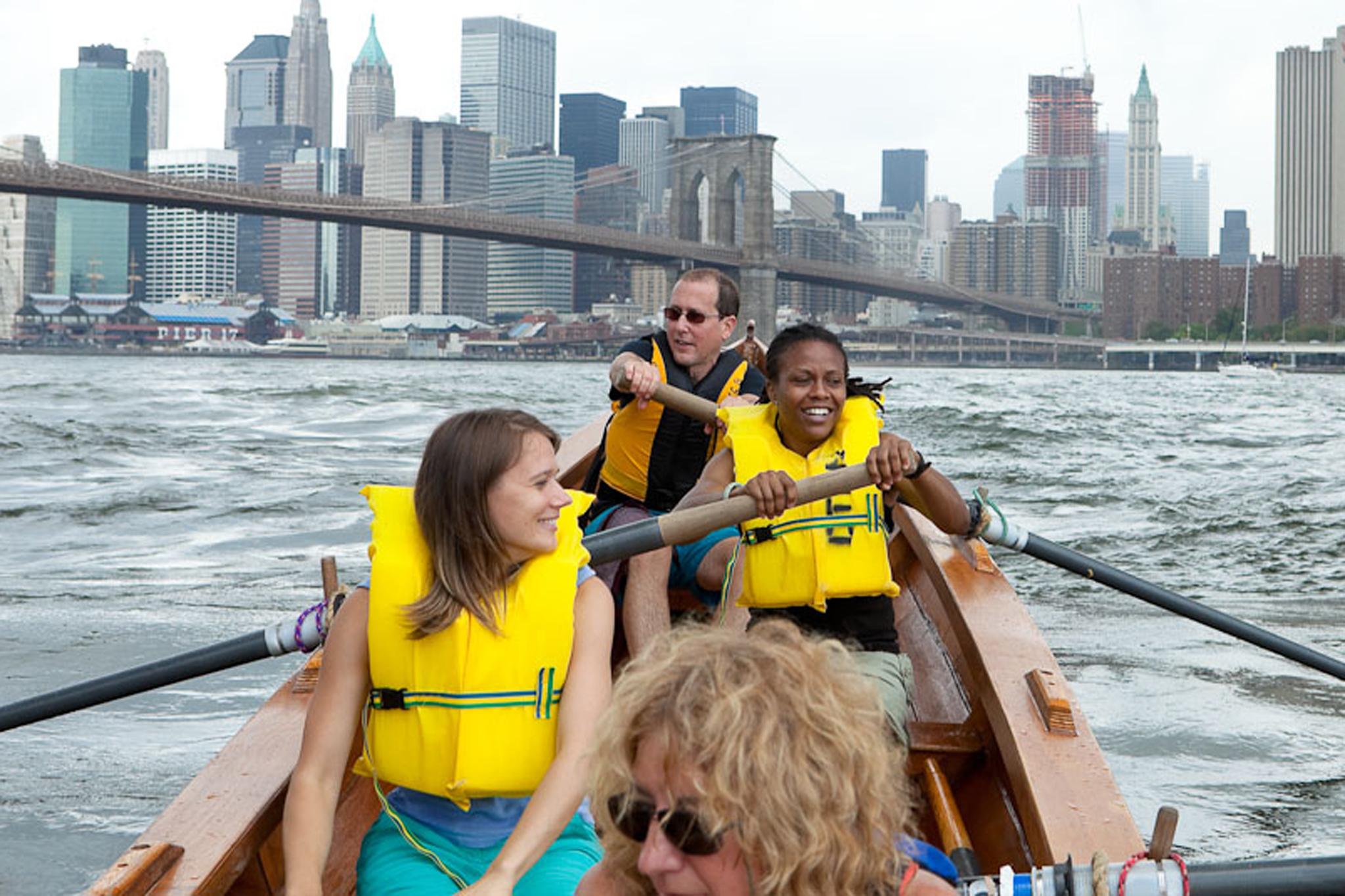 Kayak for free at Brooklyn Bridge Park