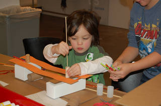 FamilyDay@theCenter: Architectural Lanterns