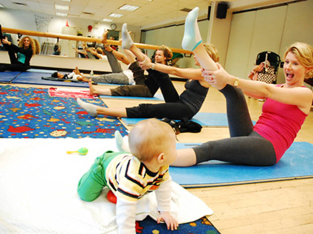 14th Street Y Mom and baby yoga class