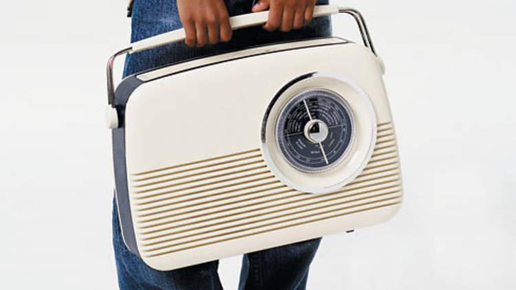 46.ti.x480.radio.jpg