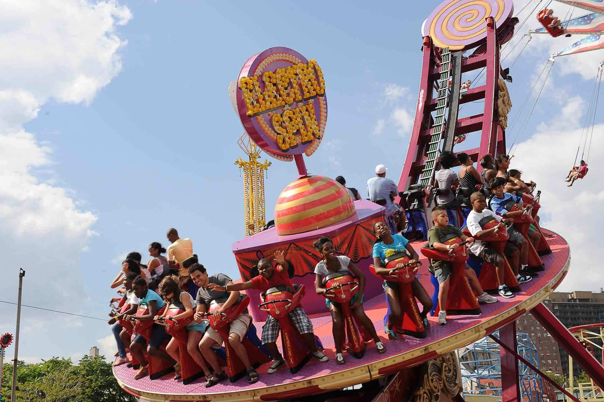 Amusement parks near NYC