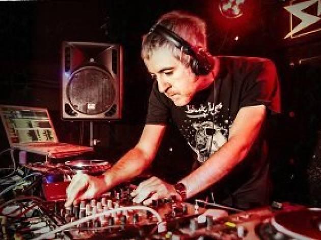 Sidefunk: NRZ! vs DJ RÉ!