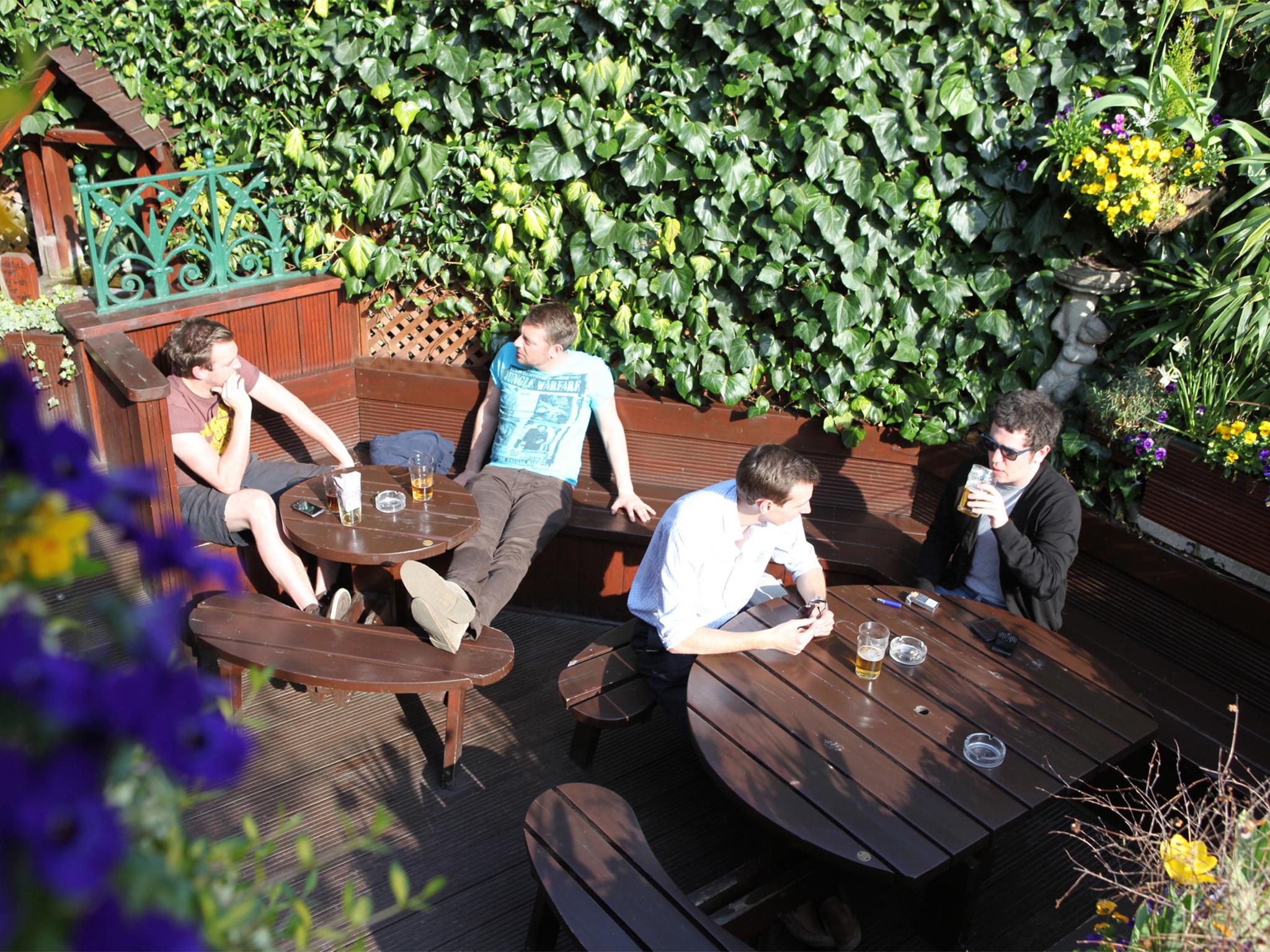 Secret pub garden in finsbury parkThe Faltering Fullback 19 Perth Rd N4 3HB