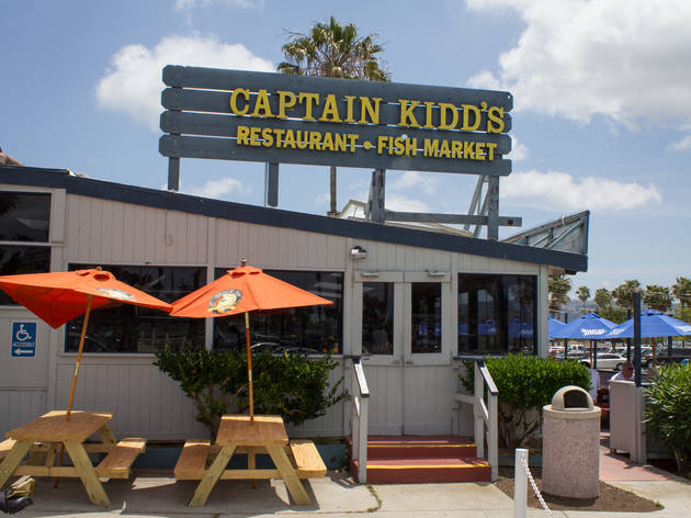Captain kidd 39 s fish market and restaurant restaurants in for Redondo beach fish market