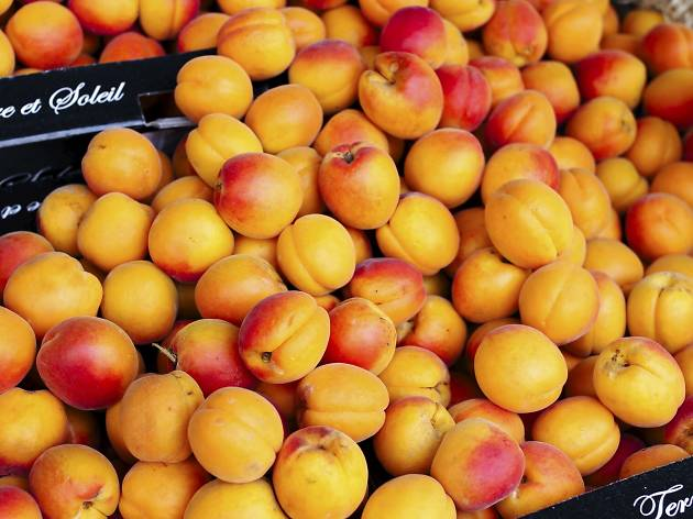 apricots, booking.com