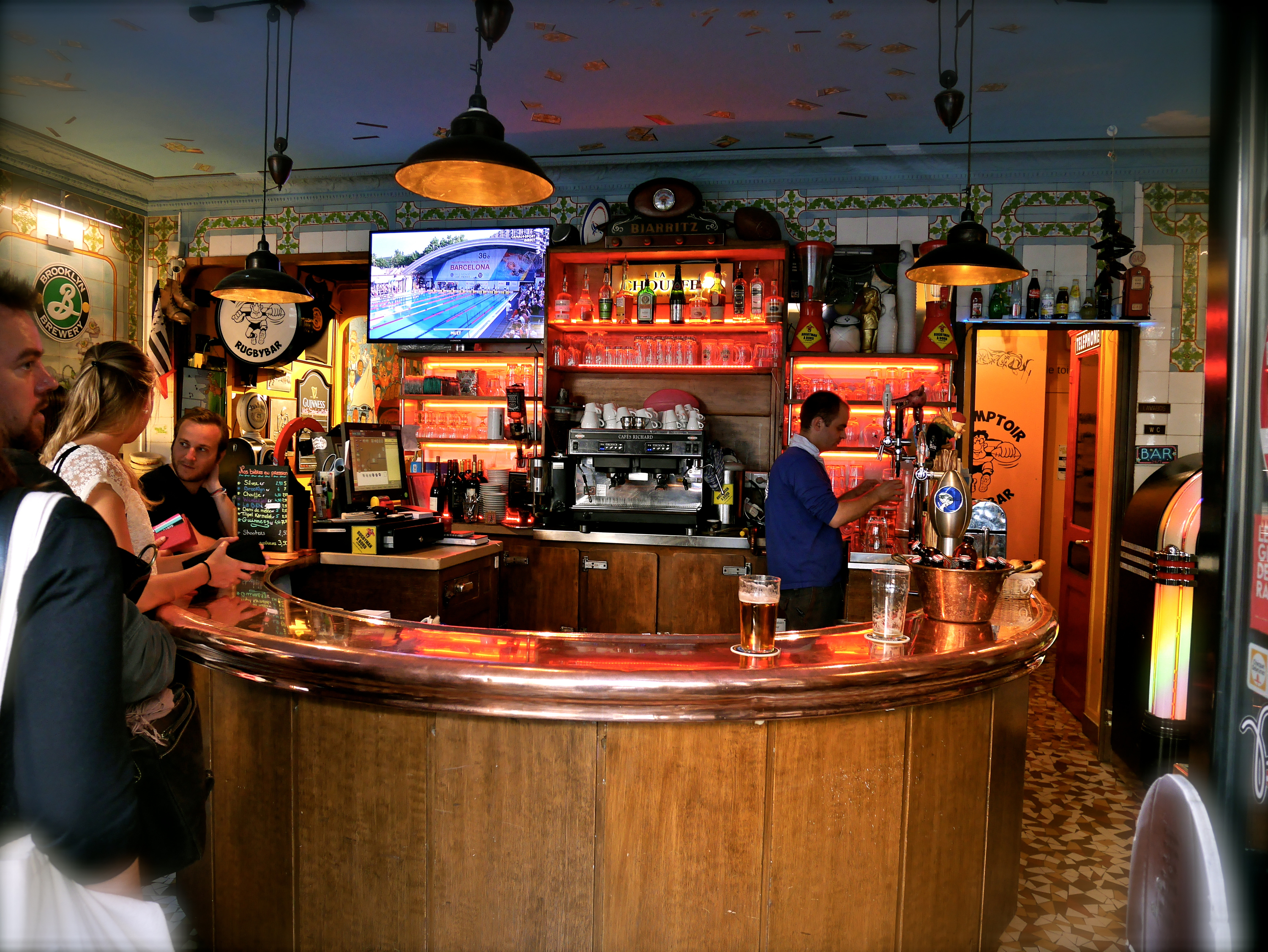 the best sports bars in paris bars pubs time out paris. Black Bedroom Furniture Sets. Home Design Ideas