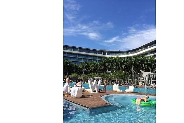 Shockwave: It's Summertime at W