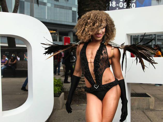 Un ángel marchando (Foto: Alejandra Carbajal)