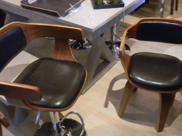 Sillas vintage de diseño en A + C soluciones muebles.