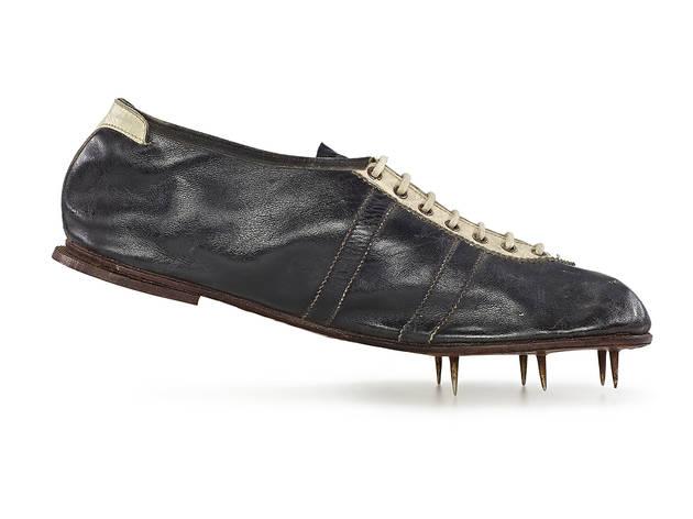1936, Gebrüdder Dassler Schuhfabrik. Modell Waitzer. adidas AG.