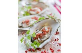 Fresh Rock Oysters at Bay@5