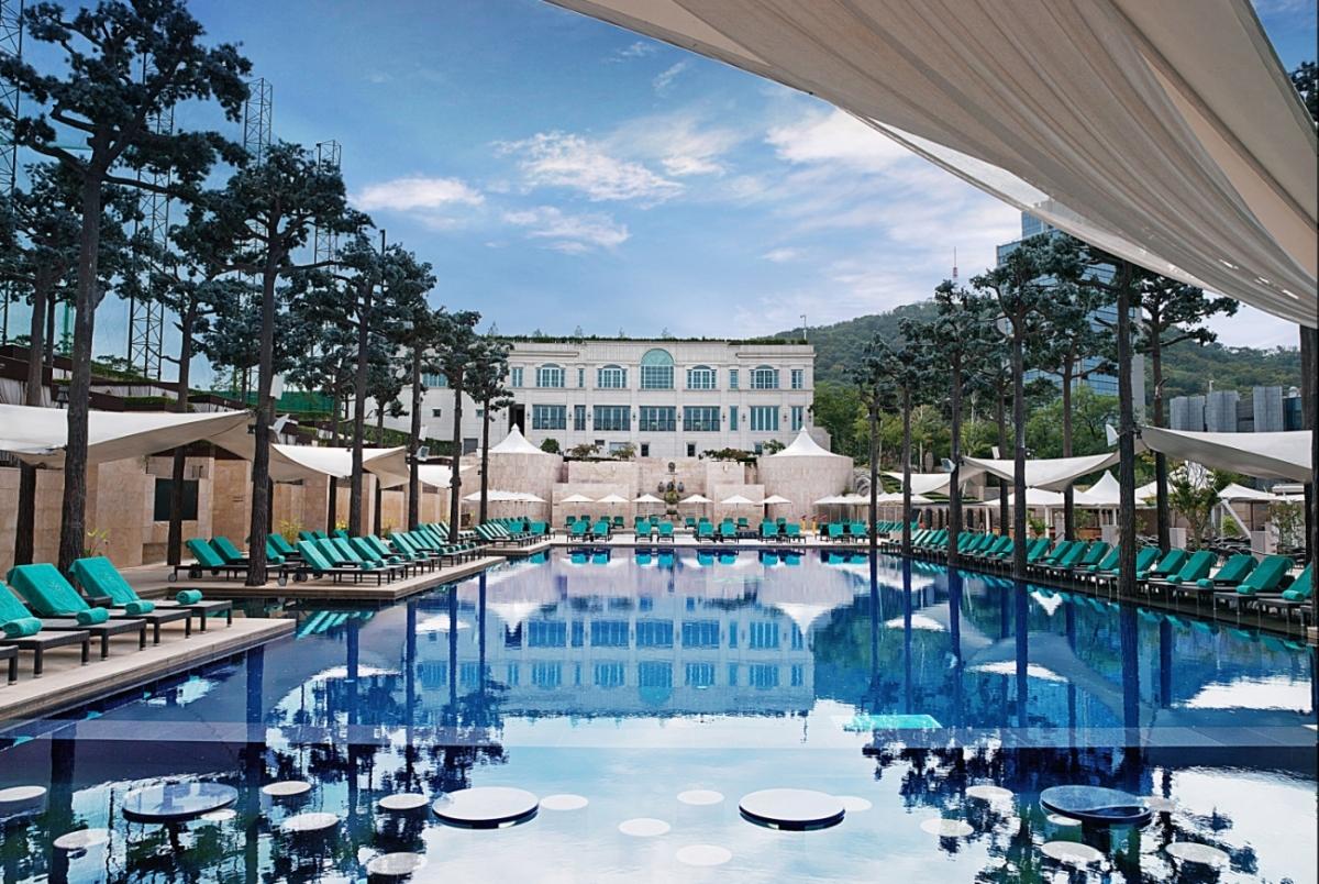 서울 최고의 호텔 야외 수영장