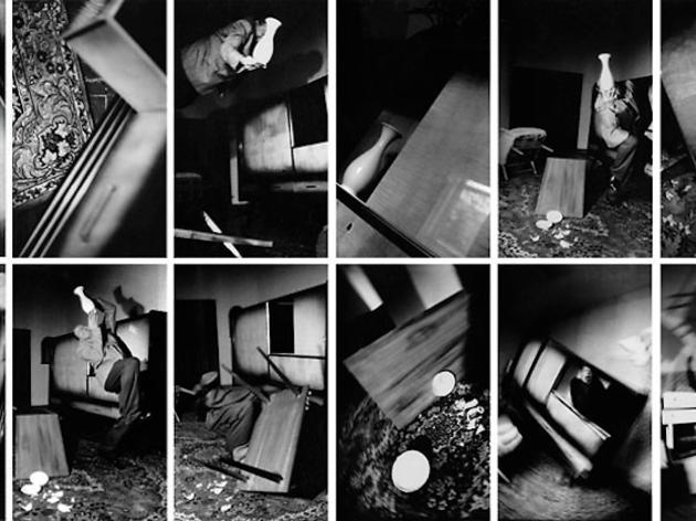 (Anna et Bernhard Blume, 'Im Wahnzimmer (détail)', 1984 / Ensemble de 18 épreuves / © Centre Pompidou, MNAM-CCI/G. Meguerditchian et Ph. Migeat / Dist. RMN-GP / © ADAGP, 2015)