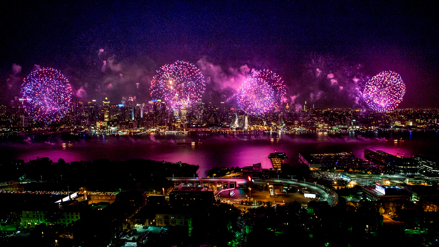 Gorgeous photos of last year's fireworks