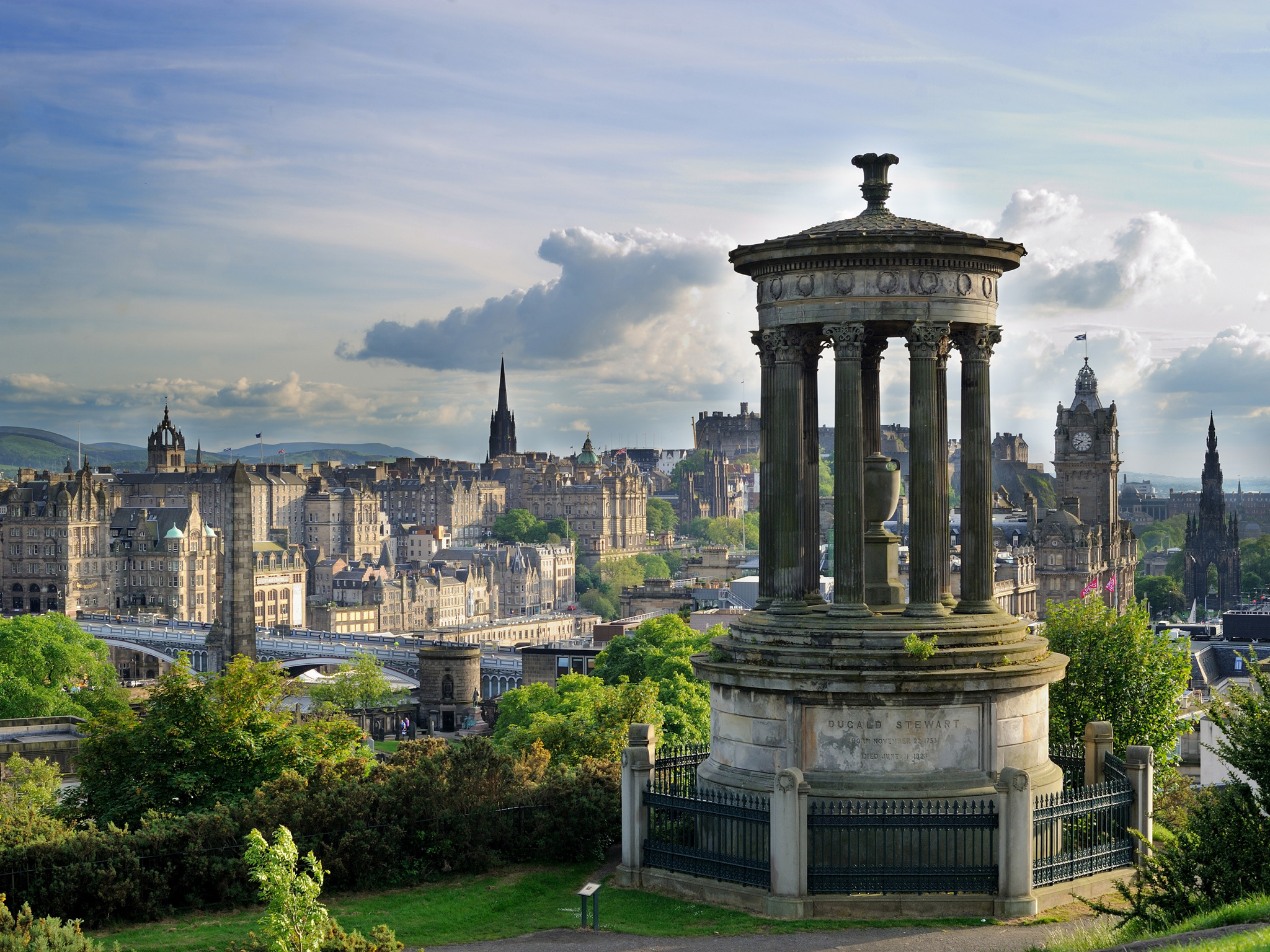 Be spontaneous in Edinburgh
