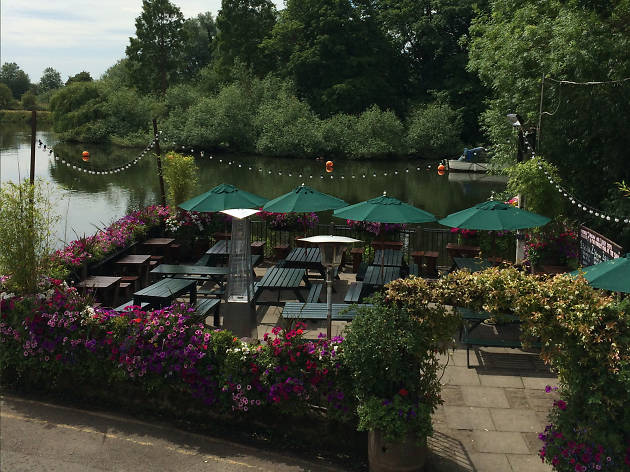 white swan, best beer gardens