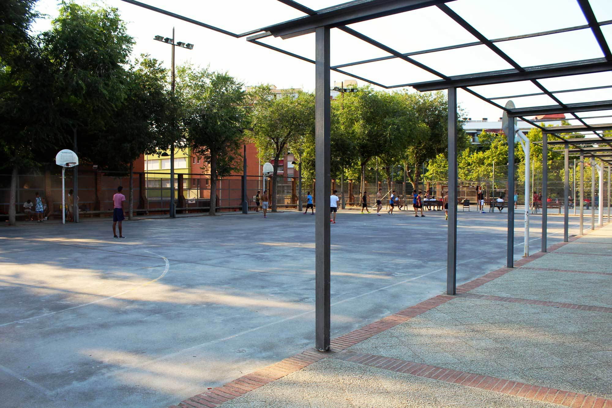 Pista poliesportiva Parc de la Pegaso