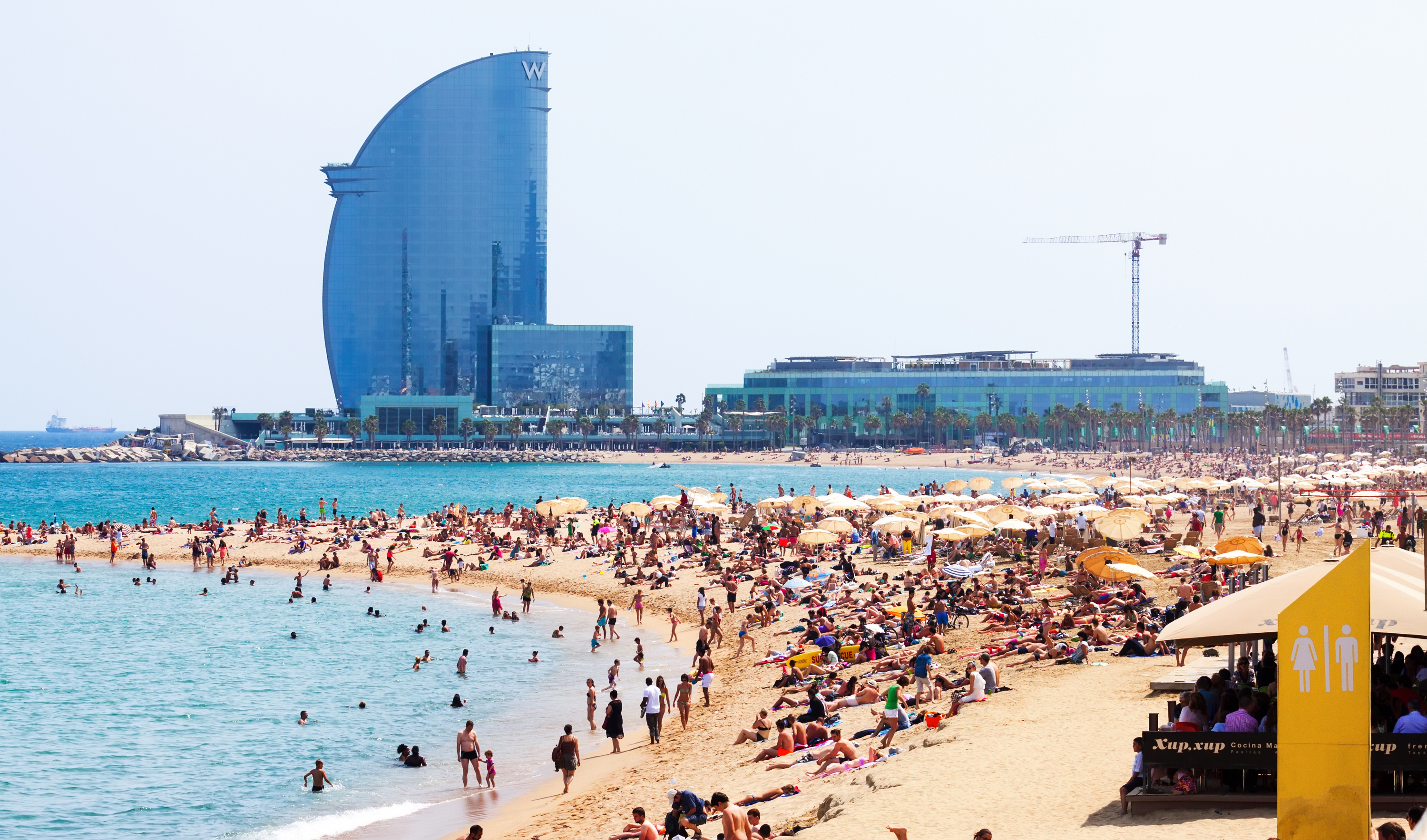 10 ways to get the most out of BCN beaches