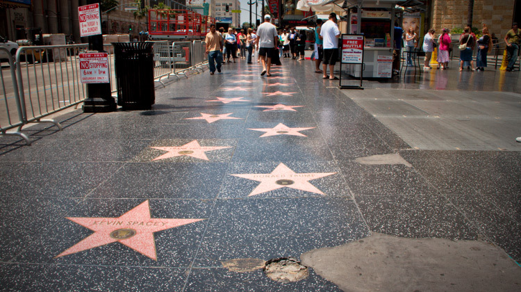 Discover the history and architecture of Hollywood on a walking tour