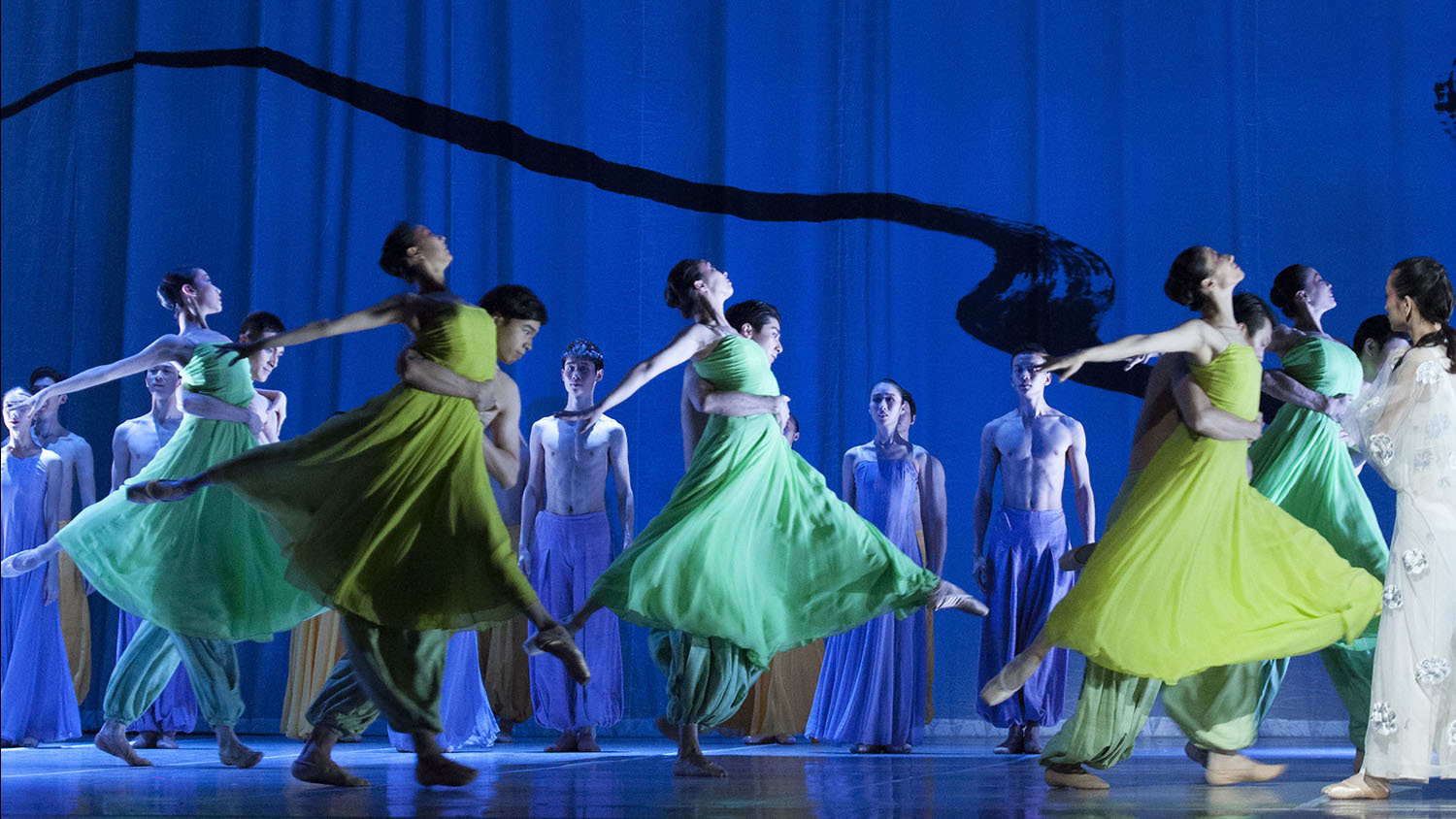 Beautiful photos of the National Ballet of China's The Peony Pavilion