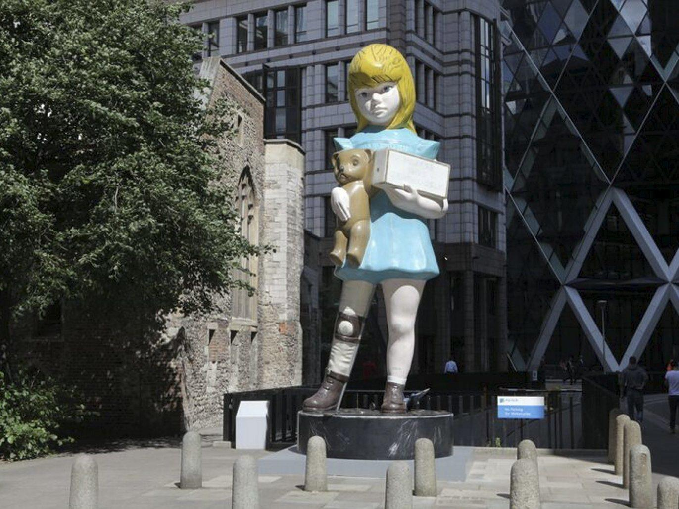 (Charity by Damien Hirst. Located at Undershaft, © Damien Hirst and Science Ltd. All rights reserved, DACS 2015. Photo: Nick Turpin)
