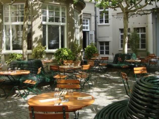 Brasserie Volkshaus biergarten