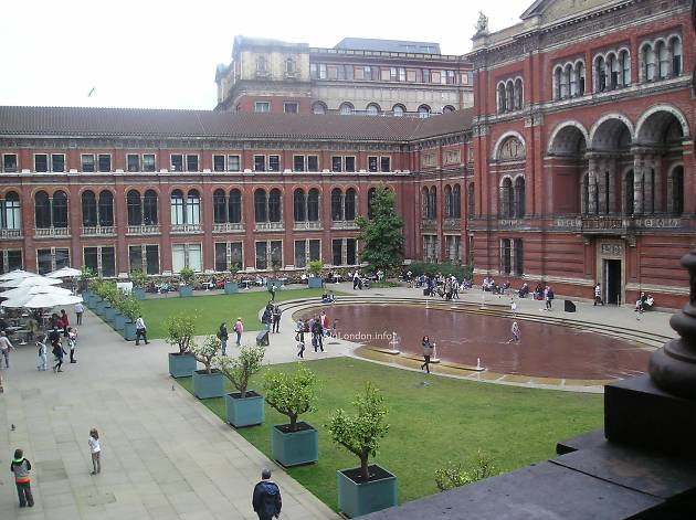 John Madjeski Garden Fountains, V&A