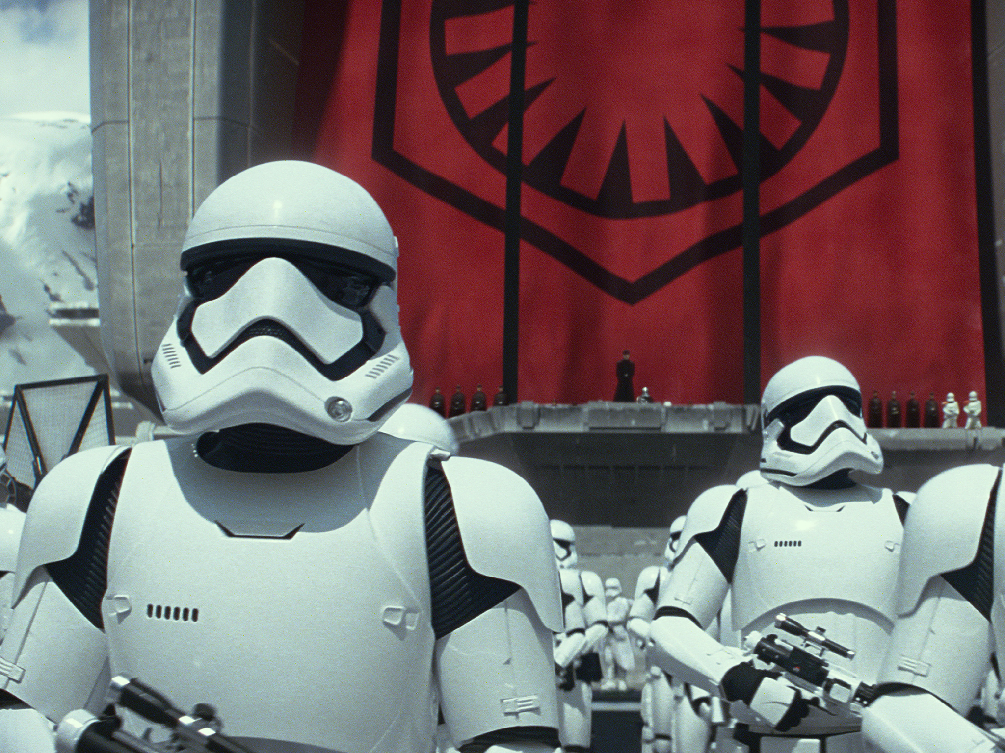 Five things we learned from the new 'Star Wars: The Force Awakens' footage