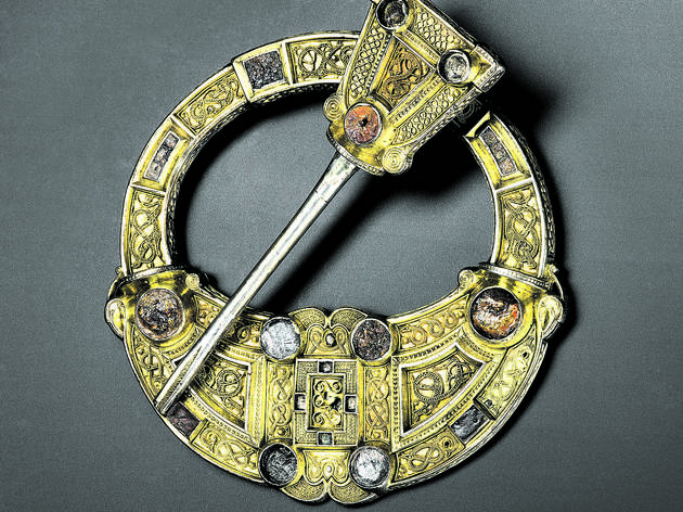 (Hunterston brooch, Hunterston, south-west Scotland, AD 700–800 © National Museums Scotland )
