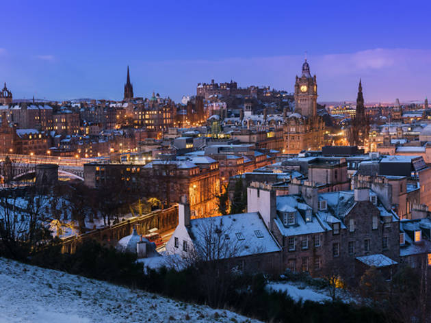 11 edinburgh skyline snow winter