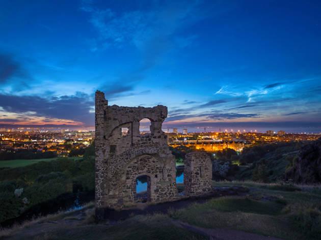 20 arthur's seat ruins chapel