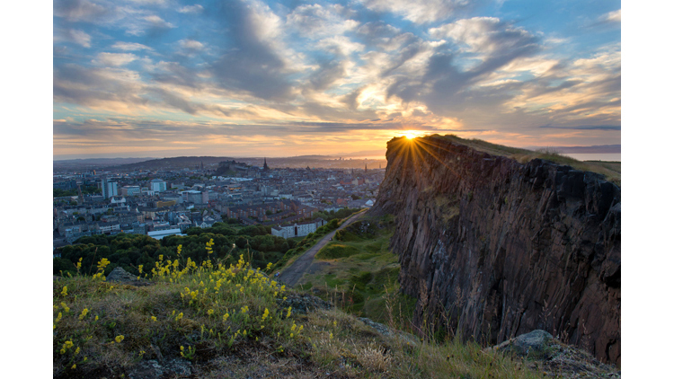 22 arthur's seat crags sunrise