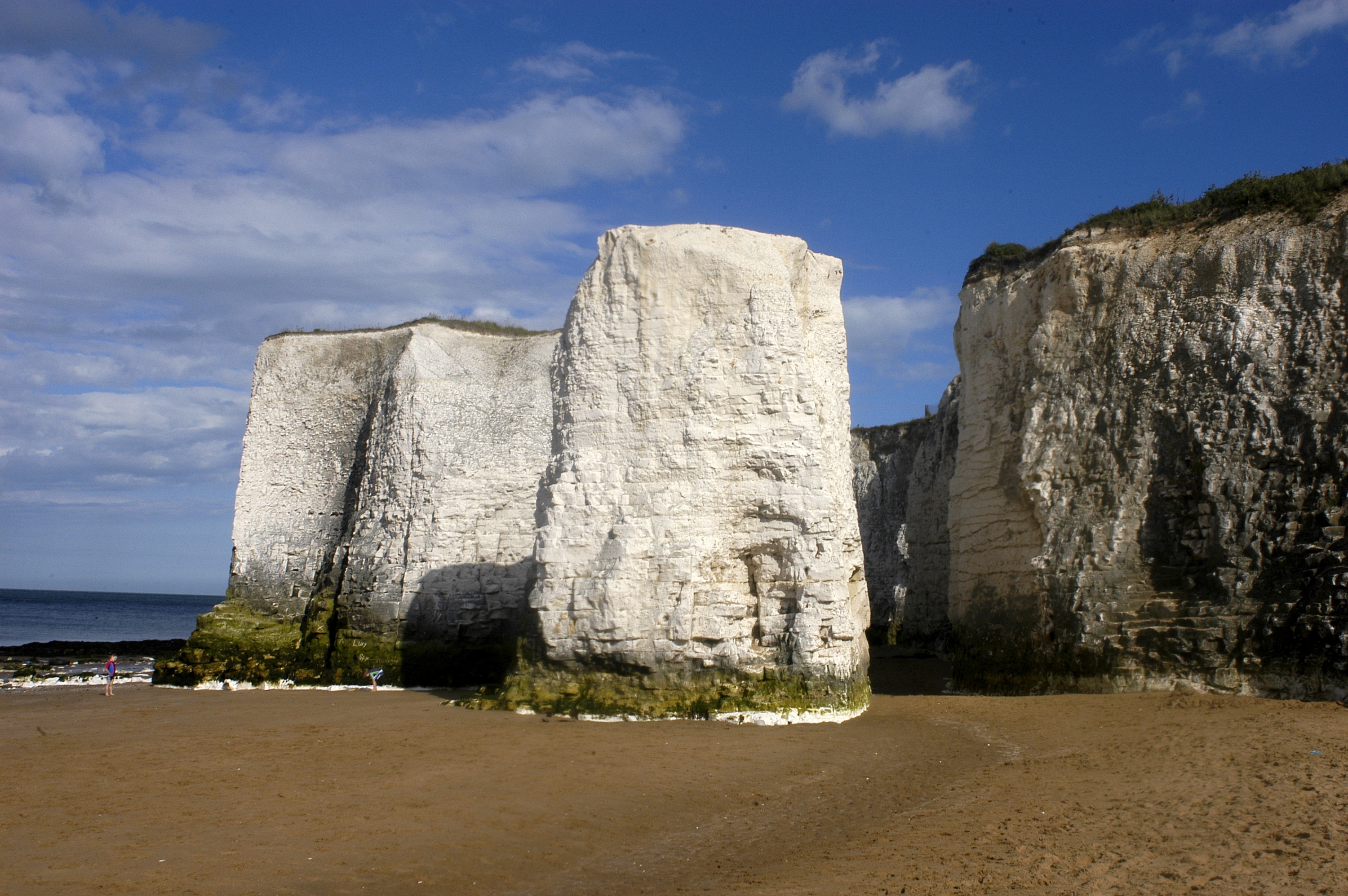 10 Best Beaches Near London To Visit This Weekend Video