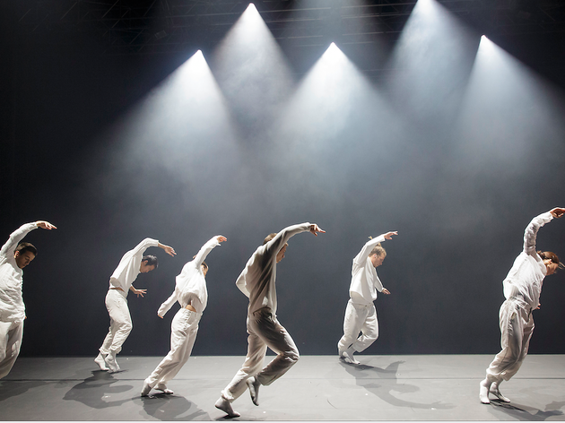 Barbarians (© Christophe Raynaud de Lage / Festival d'Avignon)