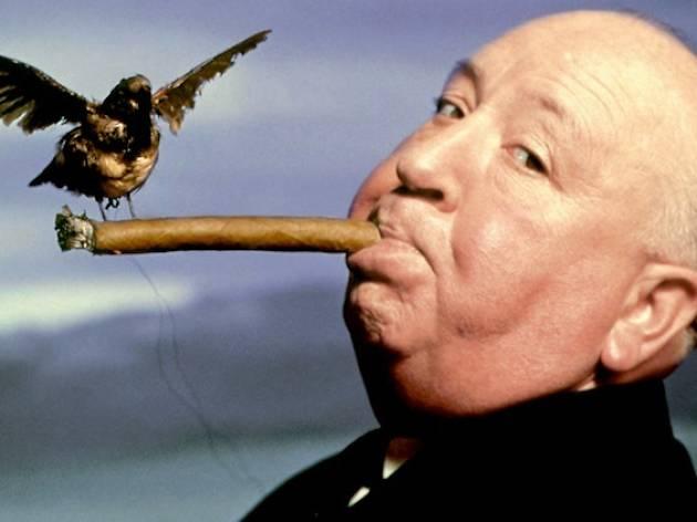 (Philippe Halsman, 'Portrait d'Alfred Hitchcock pour la promotion du film 'Les Oiseaux'', 1962 / © Philippe Halsman Archive / Magnum Photos)