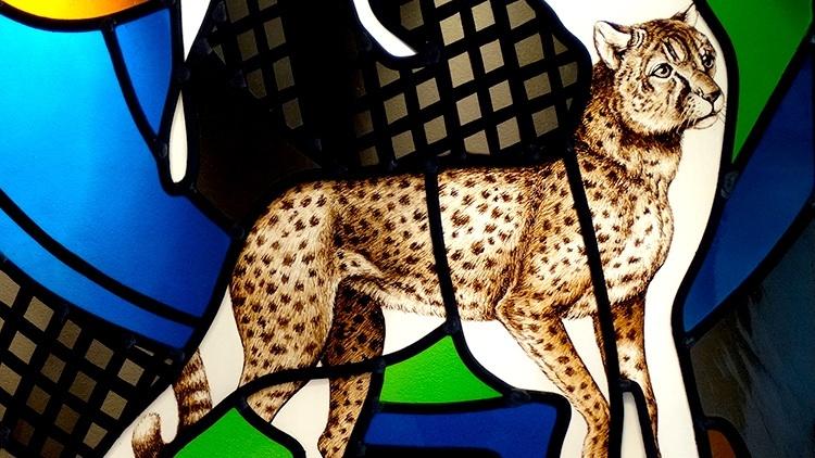 (Jean-Michel Alberola/Ateliers Duchemin, 'La Création du monde' (détail), vitrail panneau d'essai pour la cathédrale de Nevers, c. 1998-1999 / © ADAGP, Paris, 2015)